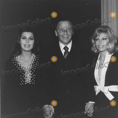 Nancy Sinatra Photo - Nancy Sinatra with Father Frank Sinatra and Tina sinatrasupplied by Globe Photos Inc