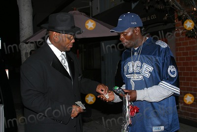 Jimmy Jam Photo - Celebrity Out and About Jimmy Jam Is Buying Neons After Having Dinner with His Wife at Mr Chow Restaurant at Beverly Hills CA (090104) Photo by Milan RybaGlobe Photos Inc2004 Jimmy Jam