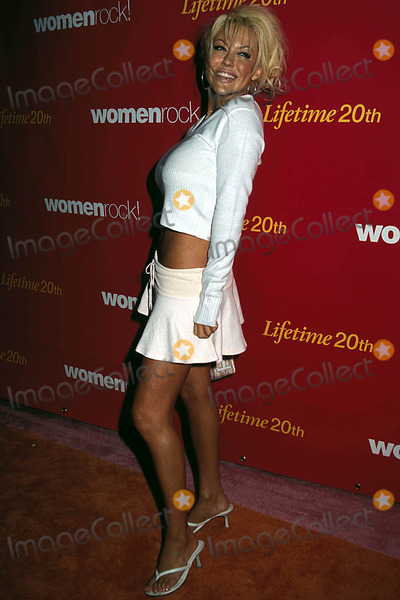 Tiffany Holiday Photo - Womenrock Lifetime Television Concert at the Wiltern Theatre Los Angeles CA 09282004 Photo Phil Roach Ipol Globe Photos Inc 2004 Tiffany Holiday