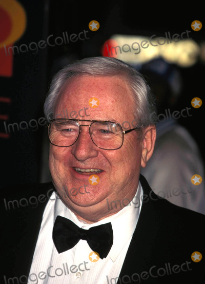 Jerry Falwell Photo - Times 75th Anniversary Party at Radio City Music Hall in New York City 030398 Photo by Walter WeissmanGlobe Photos Inc
