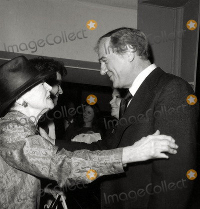 Karl Malden Photo - Eva Legallienne and Karl Malden Usc Friends of the Library Photo Nate CutlerGlobe Photos Inc