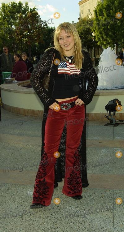Hilary Duff Photo - Hilary Duff Jimmy Neutron  Boy Genius - World Premiere Paramount Studios Hollywood CA December 09 2001 Photo by Nina PrommerGlobe Photos Inc2001 K23590np (D)