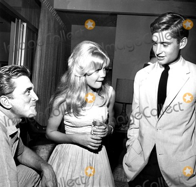 Hayley Mills Photo - Kirk Douglas Hayley Mills and Michael Douglas c667-4 Globe Photos Inc Michaeldouglasretro
