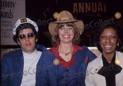Toni Tennille Photo - Captain  Tennille Toni Tennille Daryl Dragon and Natalie Cole G2774b Photo by Nate Cutler-Globe Photos Inc