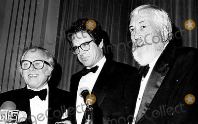 Richard Attenborough Photo - Richard Attenborough Warren Beatty and John Huston 4391 Darlene HammondGlobe Photos Inc Warrenbeattyretro