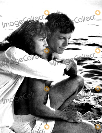 Richard Chamberlain Photo - Richard Chamberlain and Rachel Ward in the Thorn Birds Globe Photosinc