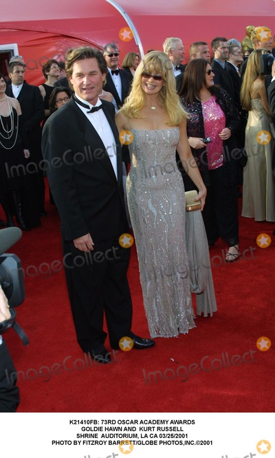 Goldie Hawn Photo -  73rd Oscar Academy Awards Goldie Hawn and Kurt Russell Shrine Auditorium LA CA 03252001 Photo by Fitzroy BarrettGlobe Photosinc