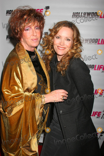 Ann Volokh Photo - 7th Annual Hollywood Life Breakthrough of the Year Awards Music Box at the Fonda Hollywood California 12-09-2007 Leslie Mann and Anne Volokh - Publisher of Hollywood Life Magazine Photo Clinton H Wallace-photomundo-Globe Photos Inc