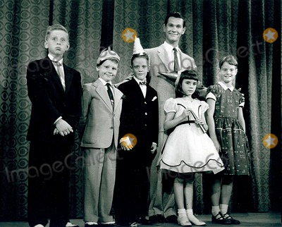 Johnny Carson Photo - Tv Film Still Supplied by Dm-Globe Photos Inc Johnny Carson Johnnycarsonretro