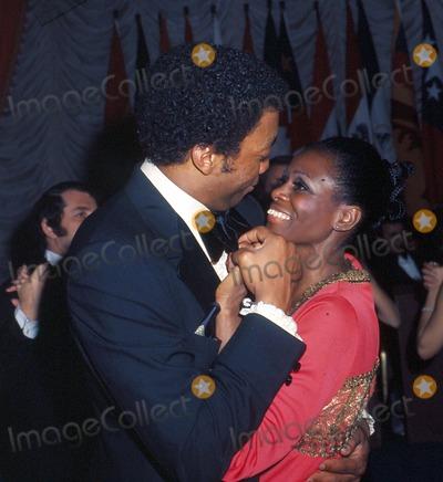 Paul Winfield Photo - Photo Globe Photos Inc 1973 Paul Winfield and Cicely Tyson Paul Winfield Paulwinfieldretro