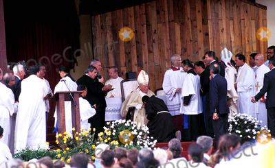 John Paul Photo - Sd0198 Pope John Paul Ii Visit to Santa Clara Cuba Photo Lynsey Addario  Globe Photos Inc 1998