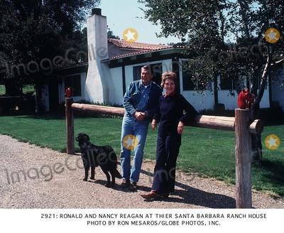 Ronald Reagan Photo - Ronald and Nancy Regan at Thier Santa Barbara Ranch House Photo by Ron MesarosGlobe Photos Inc