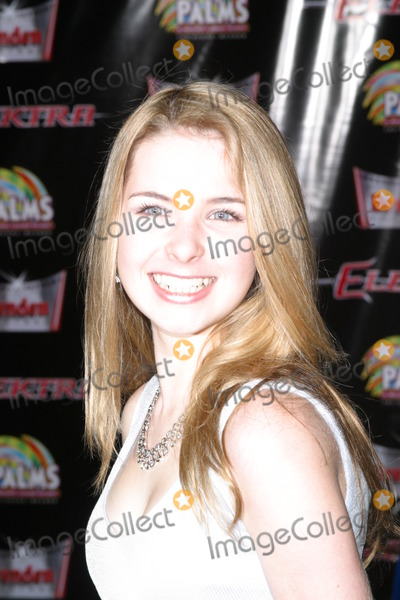 Kirsten Prout Photo - Las Vegas Gets elektra-fied World Premiere Screening of Elektra the Palms Maloof Casino Resort and Hotel Las Vegas Nevada 01-08-2005 Photo by Milan RybaGlobe Photos Inc 2005 Kirsten Prout K41035mr K41035mr K41035mr