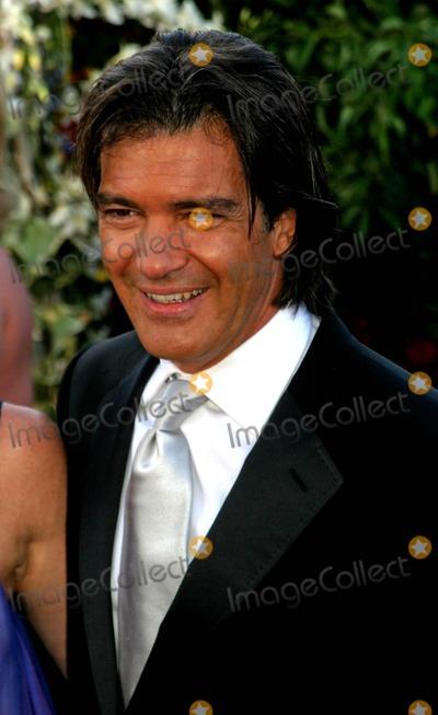 Anotnio Banderas Photo - 56th Annual Primetime Emmy Awards Arrivals at the Shrine Auditorium in Los Angeles California 09192004 Photo by Ed GelleregiGlobe Photos Inc2004 Anotnio Banderas
