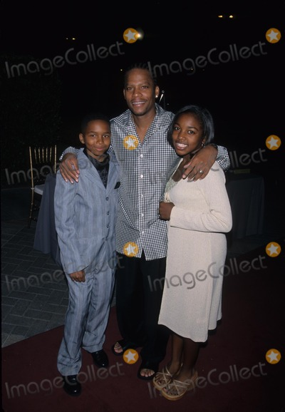 Ashley Monique Clark Photo - Dl Hughley with Dee Jay Daniels Ashley Monique Clark Upn Stars Party at Paramount Studios Los Angeles 2001 K22486mr Photo by Milan Ryba-Globe Photos Inc