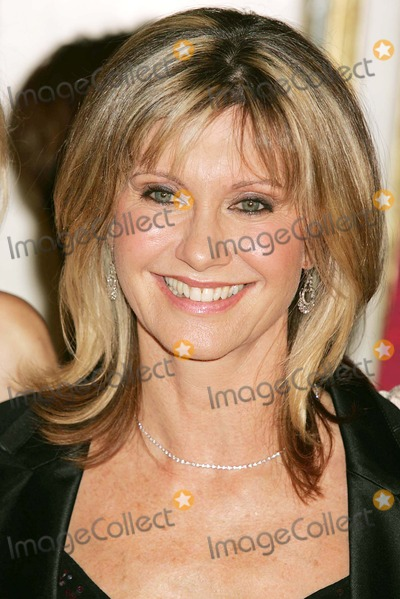 Olivia Newton-John Photo - Tribute to Olivia Newton-john at the  One World One Child  Benefit at the Plaza Hotel in New York City 11112004 Photo Byrick MacklerrangefindersGlobe Photos Inc 2004 Olivia Newton-john