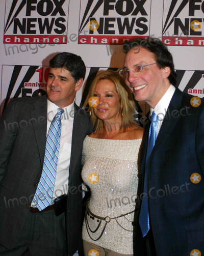 ALAN COLMES Photo - Fox News 10th Year Anniversary Party at 48th Street and 6th Avenue New York City 10-04-2006 Photo by William Regan-Globe Photos Inc 2006 Sean Hannity and Kathie Lee Gifford with Alan Colmes