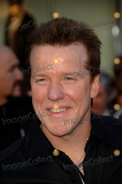 Jeff Dunham Photo - Jeff Dunham During the Premiere of the New Movie From Touchstone Pictures Gnomeo  Juliet Held at the El Capitan Theatre on January 23 2011 in Los Angeles photo Michael Germana - Globe Photos Inc 2011