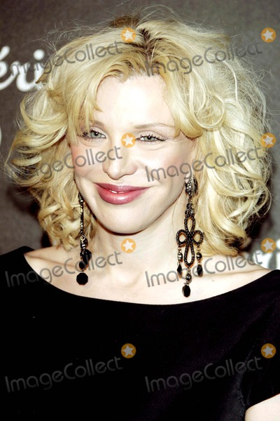 Courtney Love Photo - Dom Perignon Karl Lagerfeld and Eva Herzigova Host an International Launch Event to Unveil the New Image of Dom Perignon Rose Vintage 1996 Champagne by Karl Lagerfeld Beverly Hills  CA 06-02-2006 Photo by Allstar-Globe Photos 2006 Courtney Love