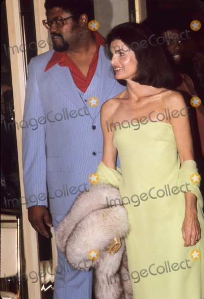 Jacqueline Kennedy Onassis Photo - Rosey Grier with Jacqueline Kennedy Onassis Circa 1968 G3197b Photo by Bob V Noble-Globe Photos Inc