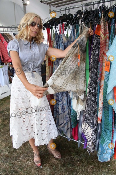 Aviva Drescher Photo - Aviva Drescher attends the Hamptons Trunk Show 2015 Sponsored by the Uja Federation of New York Bridgehampton NY August 6 2015 Photos by Sonia Moskowitz Globe Photos Inc