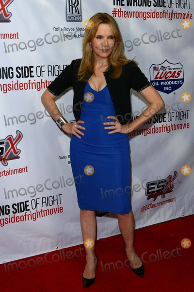 Lea Thompson Photo - Lea Thompson attends the Wrong Side of Right Los Angeles Premiere on July 14th-2015 at the Tcl Chinese Theatre in Los AngelescaliforniausaphotoleopoldGlobephotos