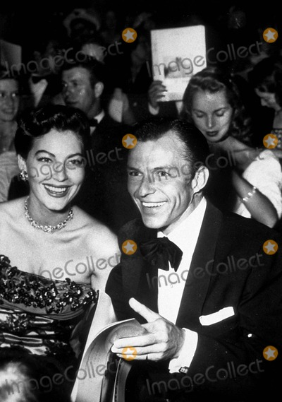 Ava Gardner Photo - Ava Gardner and Frank Sinatra Photo ByGlobe Photos Inc