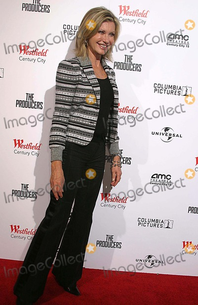 Olivia Newton-John Photo - the Producers World Premiere the New Amc Theatres Century City CA 12-12-2005 Photo Clintonhwallace-photomundo-Globe Photos Inc Olivia Newton John