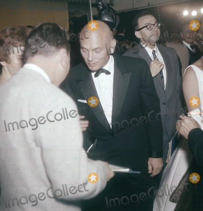 Yul Brynner Photo - Yul Brynner with Doris Brynner Supplied by Globe Photos Inc