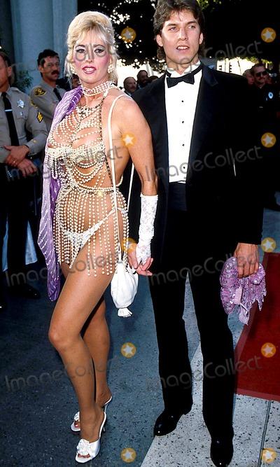 Edy Williams Photo - Academy Awards Oscars 1986 James ColburnipolGlobe Photos Inc Edie Williams
