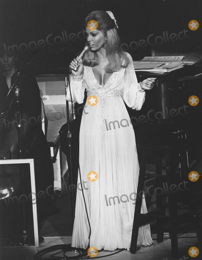 Nancy Sinatra Photo - Nancy sinatraphoto by pt-globe Photos Inc