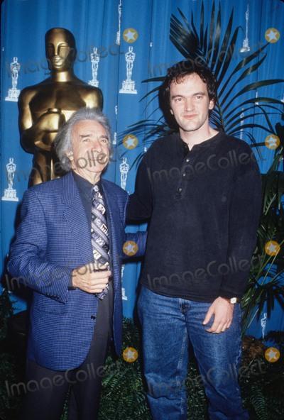 Arthur Miller Photo - Arthur Miller with Quentin Tarantino at the Oscar Nominees Lunch 1995 K0909lr Photo by Lisa Rose-Globe Photos Inc