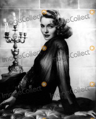 Patricia Neal Photo - Patricia Neal 1950 30030 Photo by Globe Photos Inc Patricianealretro