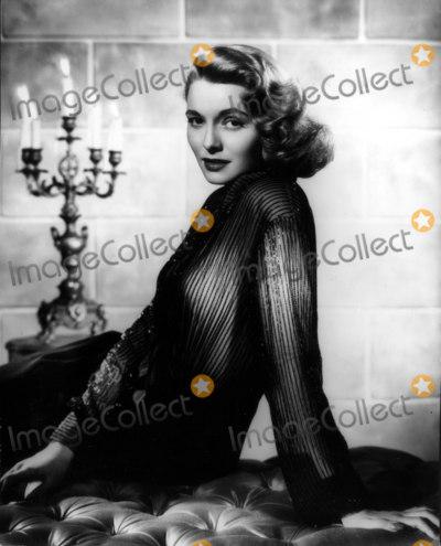 Patricia Neal Photo - Patricia Neal 1950 30030 Photo by Globe Photos Inc Patricianealretro