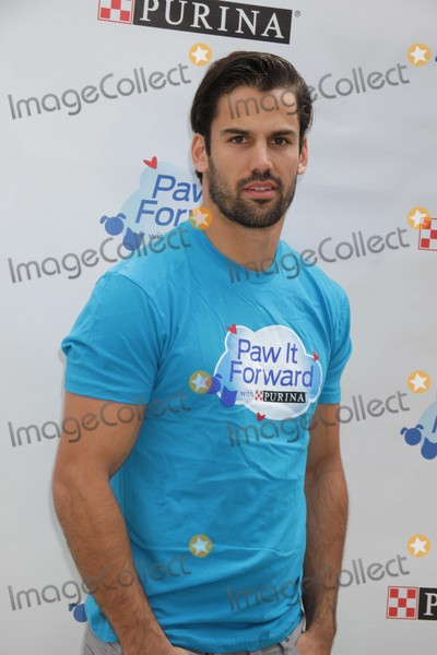 Eric Decker Photo - Eric Decker Join Purina to Kick Off National Pet Month with Paw It Forward Movement at the Flatiron Pedestrian Plaza 5-1-2015 John BarrettGlobe Photos