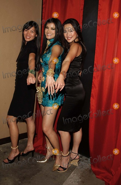 Kim Nguyen Photo - K24038AG            SD0212KELLY HUS CHINESE NEW YEAR PARTY KELLY HU STAR OF SCORPION KING HOSTED A CHINESE NEW YEAR PARTY WITH TRADITIONAL CHINESE DANCING DRAGONS AND ACROBATS AT THE LUCKY DUCK RESTAURANT IN LOS ANGELES CALIFORNIAPHOTO BYAMY GRAVESGLOBE PHOTOS INC    2002KIM NGUYEN KELLY HU AND DONNA LEW