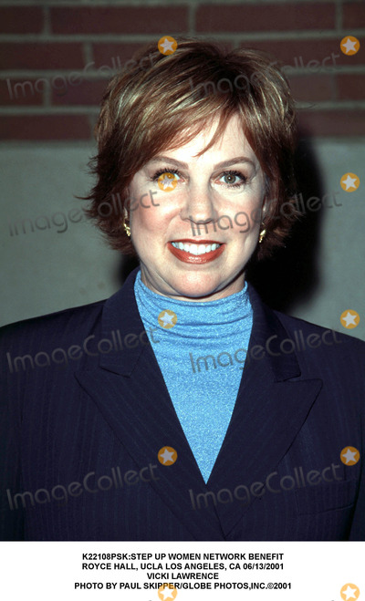 Vicki Lawrence Photo - step Up Women Network Benefit Royce Hall Ucla Los Angeles CA 06132001 Vicki Lawrence Photo by Paul SkipperGlobe Photosinc