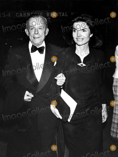 Jacqueline Kennedy Onassis Photo - William Walton and Jacqueline Kennedy Onassis Globe Photos Inc Jacquelinekennedyonassisobit