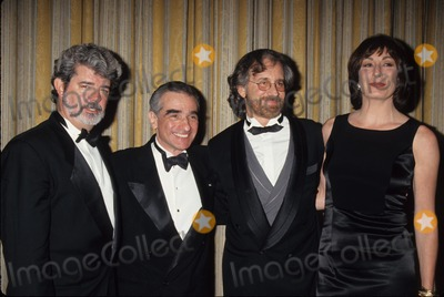 Martin Scorsese Photo - Martin Scorsese with George Lucas  Steven Spielberg and Anjelica Huston at John Huston Award Dinner 1995 K1404lr Photo by Lisa Rose-Globe Photos Inc