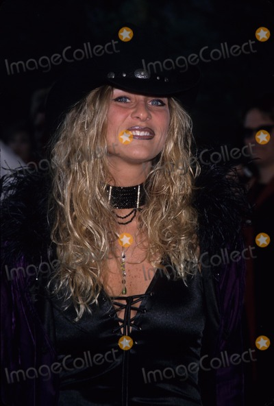 Danny Leigh Photo - Danni Leigh the 33rd Country Music Awards in Nashville  Tenn 1999 K16667lr Photo by Lisa Rose-Globe Photos Inc