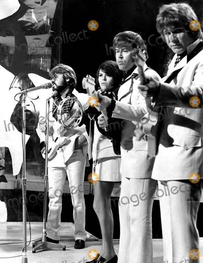 Kenny Rogers Photo - Kenny Rogers (L) and the First Edition Globe Photos Inc Kennyrogersretro