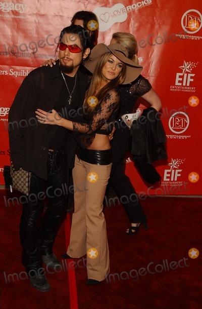 Dave Navarro Photo -  Love Rock Concert Kodak Theatre Hollywood CA 02142002 Dave Navarro and Carmen Electra Photo by Amy GravesGlobe Photosinc2002 (D)