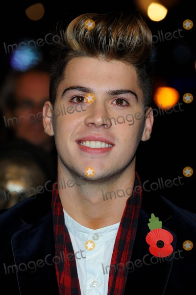 Aiden Grimshaw Photo - Aiden Grimshaw 2010 X Factor Contestants Harry Potter and the Deathly Hallows Part 1 World Premiere at Odeon Leicester Square in London England 11-11-2010 Photo by Neil Tingle-allstar-Globe Photos Inc