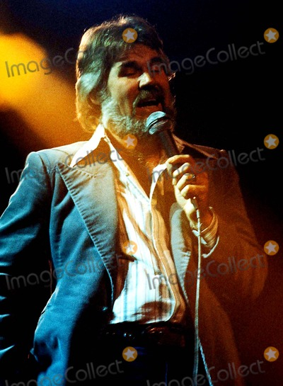 Kenny Rogers Photo - Kenny Rogers Photo ByGlobe Photos Inc 1977 Kennyrogersretro