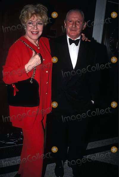 Dorothy Loudon Photo - Actors Fund of Americas Celebrity Auction  New York City 11291993 Photo Mitchell Levy Globe Photos Inc 1993 Dorothy Loudon and Lionel Larner Dorothyloudonretro