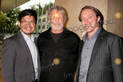Steve Chen Photo - I13367CHWTHE 35TH ANNUAL VISION AWARDS PRESNTED BY RETINITIS PIGMENTOSA INTERNATIONAL (RPI) BEVERLY HILTON HOTEL BEVERLY HILLS CA  061208CHAD HURLEY AND STEVE CHEN - FOUNDERS OF YOUTUBE POSING WITH KRIS KRISTOFFERSON   PHOTO CLINTON H WALLACE-PHOTOMUNDO-GLOBE PHOTOS INC