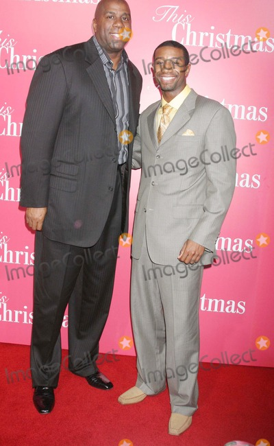 Andre Johnson Photo - This Christmas World Premiere the Cinerama Dome Hollywood CA 11-12-2007 Earvin Magic Johnson and Son Andre Johnson Photo Clinton H Wallace-photomundo-Globe Photos Inc