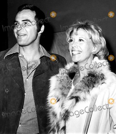 Burt Reynolds Photo - Burt Reynolds and Dinah Shore Nate CutlerGlobe Photos Inc