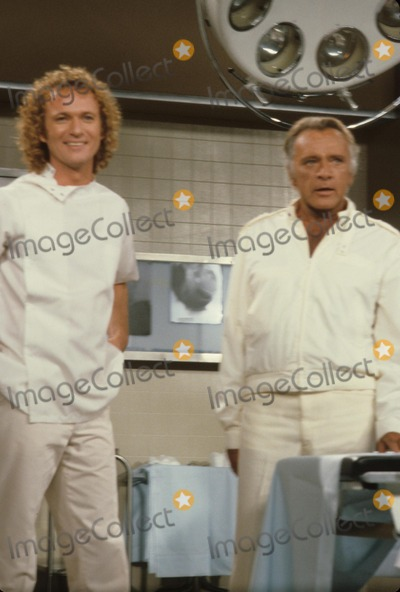 Anthony Geary Photo - Richard Burton with Anthony Geary E5618b Supplied by Globe Photos Inc