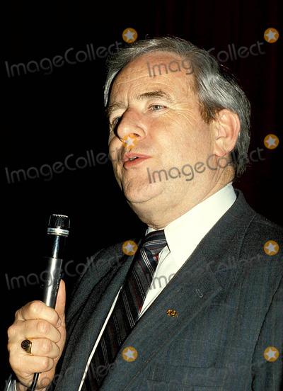 Jerry Falwell Photo - Jerry Falwell Photo Roger KarnbadmichelsonGlobe Photos Inc 1986 Jerryfalwellretro
